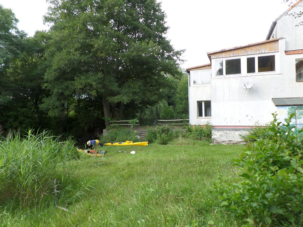 Het leegstaande huis dat een 'Kinderheim'bleek te zijn bij Untermühle.